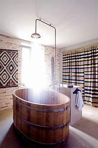 Salle De Bain Exotique : salle de bain exotique aux accents rustiques marie claire ~ Teatrodelosmanantiales.com Idées de Décoration