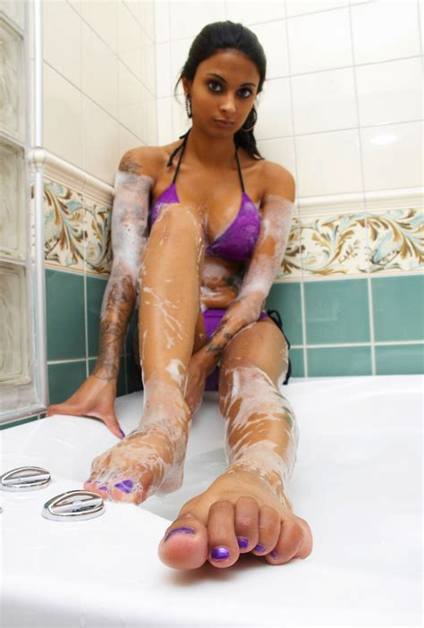 asia porn photo sexy indian showing feet