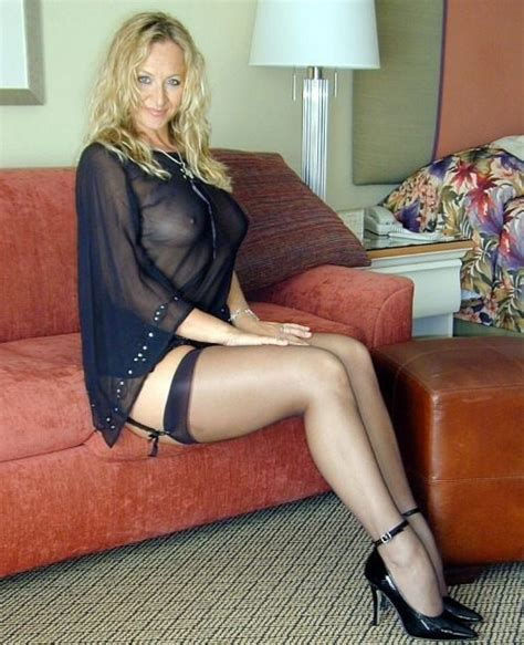 Milf Update Daily Updated Hottest Milf Pictures