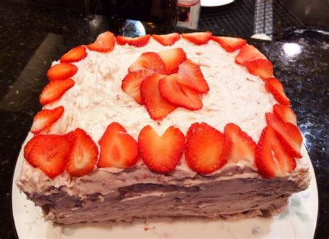 country kitchen strawberry pound cake strawberry cake cooks country recipe genius kitchen 8457