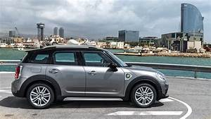 Mini Countryman S : mini countryman cooper s e all4 2017 plug in hybrid review car magazine ~ Melissatoandfro.com Idées de Décoration