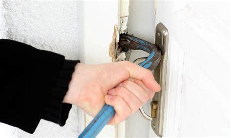 comment ouvrir une porte de chambre bloqu sécuriser une porte d entrée existante