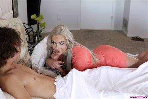 Married Stepmom Getting Giant Load From Friends