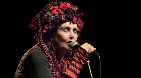 wave icon lene lovich turns  today pop expresso