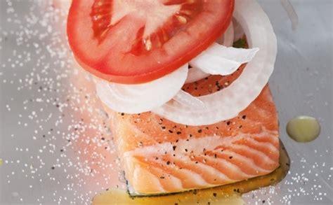 cuisiner filet de colin nos 10 meilleures recettes de poissons en papillotes