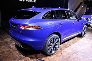 Jaguar 4x4 Prix : jaguar f pace un f lin dans la jungle vid o direct de francfort 2015 ~ Gottalentnigeria.com Avis de Voitures