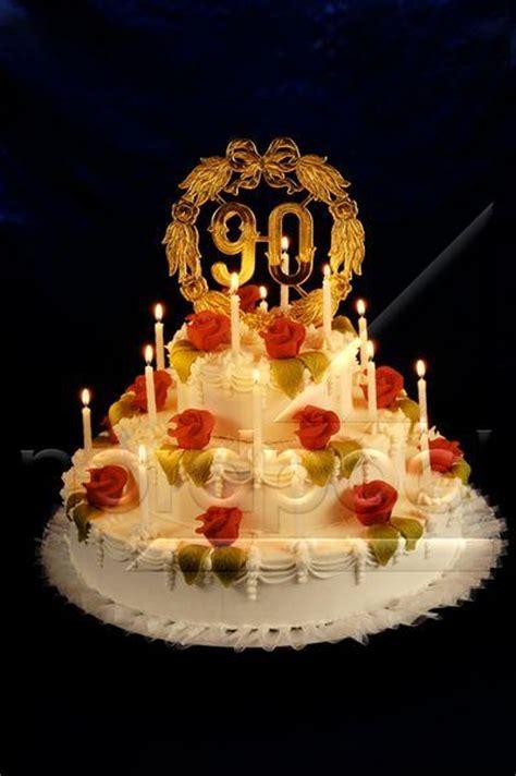 Nordpoolmedia  Torte Zum 90 Geburtstag Mit Kerzen Und