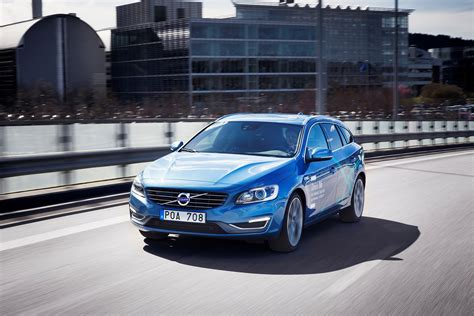 Volvo Car : Volvo Cars Presents The World's First Complete Self