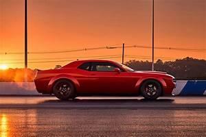 Dodge Challenger Srt Demon 2018 : 2018 dodge challenger srt demon is the most powerful muscle car ever ~ Medecine-chirurgie-esthetiques.com Avis de Voitures