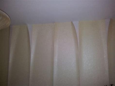 recoller du papier peint qui se d 233 colle du d 233 pron ou le