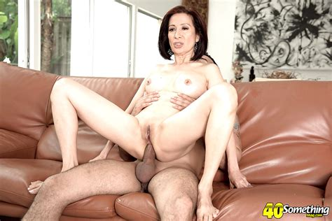 Sex Hd Mobile Pics 60 Plus Milfs Kim Anh Playful Brunette