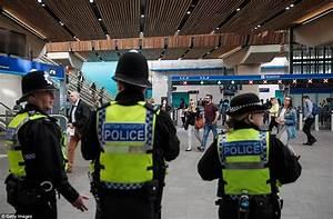 London Bridge commuters face Monday morning chaos | Daily ...