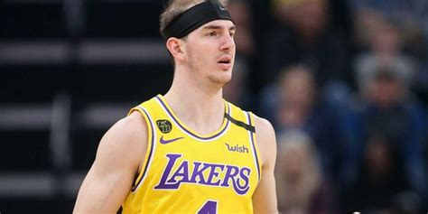Lakers' Alex Caruso skips sister's wedding to stay inside ...