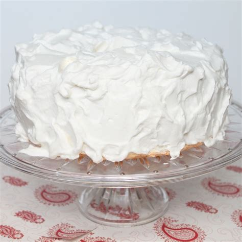 whipped cream frosting   powdered sugar