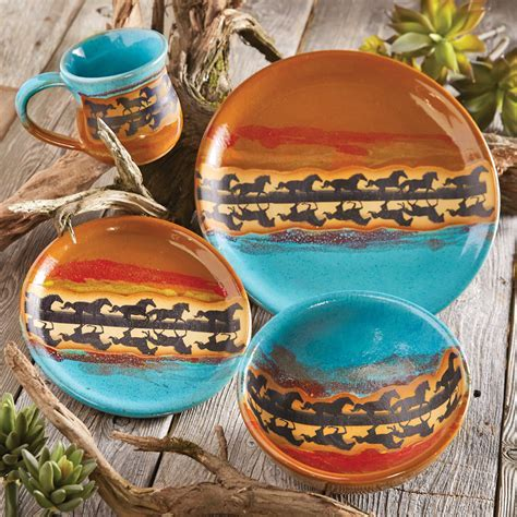 Horse Reflection Pottery Dinnerware (4 pcs)