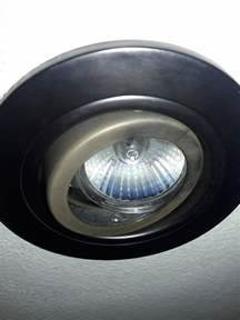 How to change recessed lighting with gu light bulb