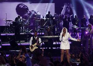 Beyonce wows with her 2016 BET Awards performance in LA ...
