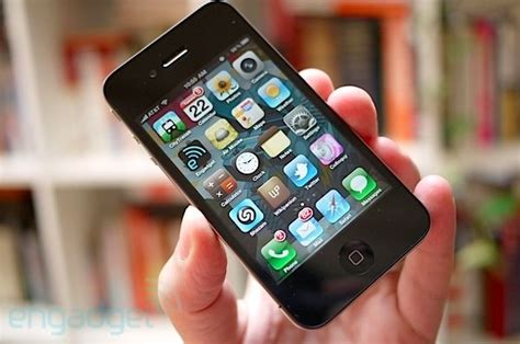 iphone ratings apple to release cheaper 8gb iphone 4 within weeks