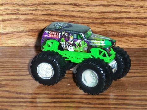 wheels monster truck grave digger wheels monster jam grave digger 1 64 diecast truck