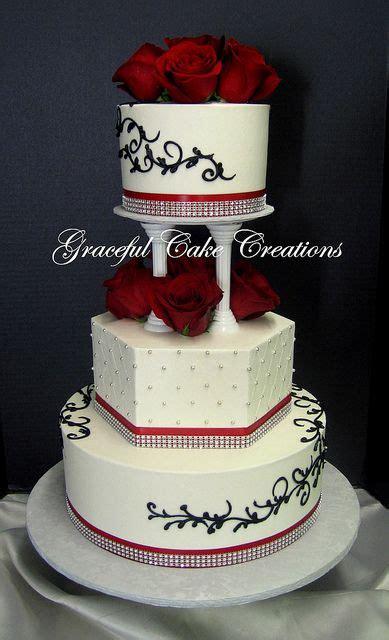 Best 25 Cream Wedding Cakes Ideas On Pinterest Elegant