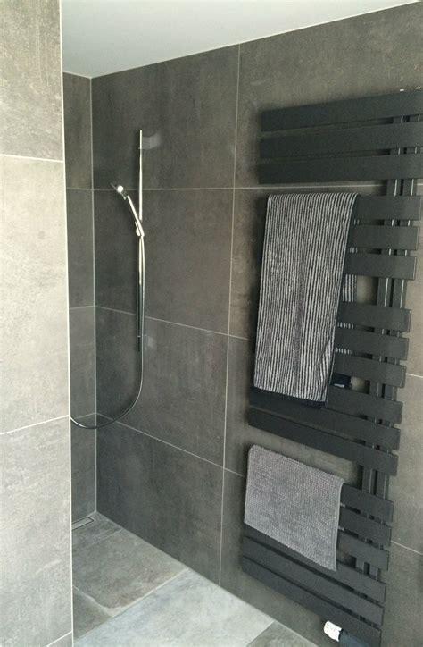 badezimmer heizung handtuchhalter altersgerechtes duschbad sch 246 n wohnen badezimmer