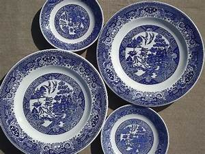 Antique Vintage Blue Willow China Shabby Old Blue White