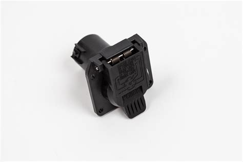 7l0055305n trailer hitch 7 pin connector black