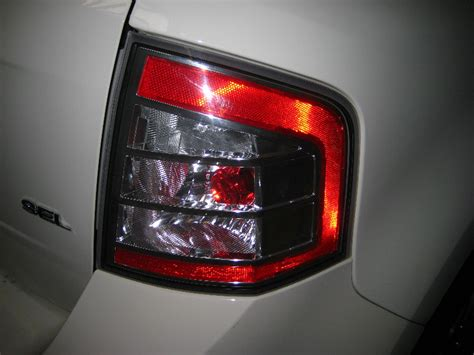 ford edge tail lights is the 2010 tail lights the same as the 2011 tail lights