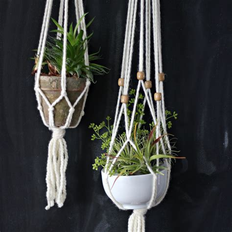 home design for beginners how to a simple macrame plant hanger ehow
