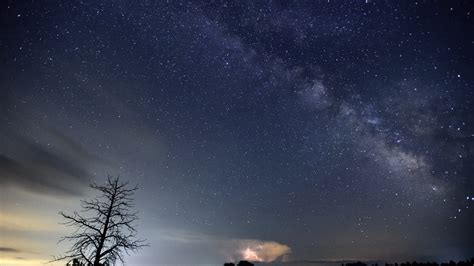 What Time Is Tonight S Meteor Shower by Oldest Known Meteor Shower Visible Tonight Channel Itv