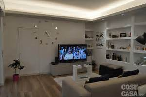 Parete dietro divano bianco consigli per la casa e l