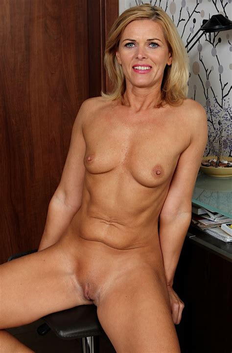 Mature Nude Women High Quality Porn Pic Maturesoftcore