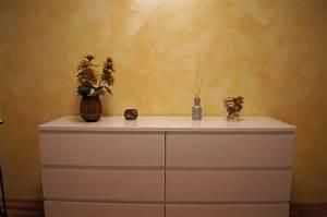 Goldene Punkte Wand : einrichten mit farben goldene wandfarbe und m bel f r ~ Michelbontemps.com Haus und Dekorationen