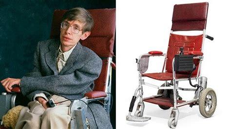 Scienziato Sedia A Rotelle by All Asta I Beni Di Stephen Hawking Tesi Studi