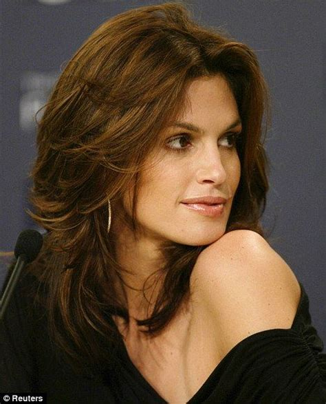 Cindy Crawford Hair Color   Hair Colar And Cut Style