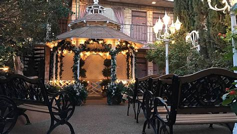 the gazebo chapel at viva las vegas wedding chapel