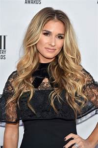 Jessie James Decker At 64th Annual BMI Country Awards in ...