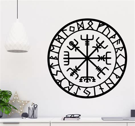wikinger kompass wandtattoo wikinger kompass tenstickers