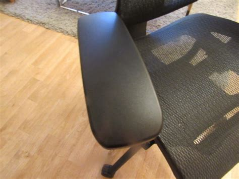 back relief with staples professional series 1500tm mesh chair