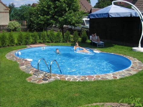 Small Pool Backyard by Best Small Backyard Pools