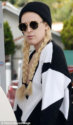 rumer willis channels elsa  frozen  long blonde