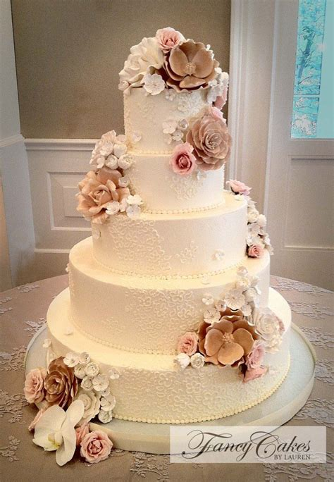 sugar flowers  lace wedding cake  dream wedding