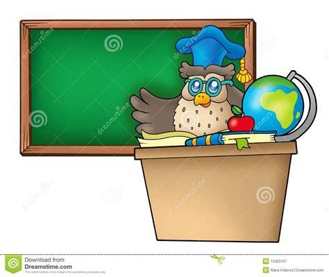 bureau professeur professeur de hibou derrière le bureau photographie stock