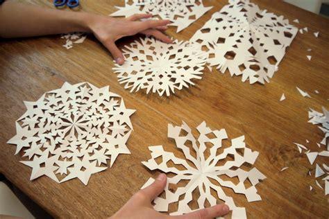 schneeflocken basteln papier warum papier schneeflocken basteln gut f 252 r mathe ist