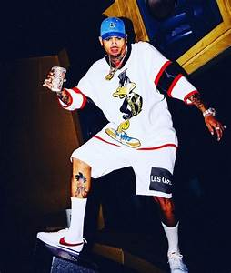 Get The Look: Chris Brown in Moschino & Joyrich – PAUSE ...