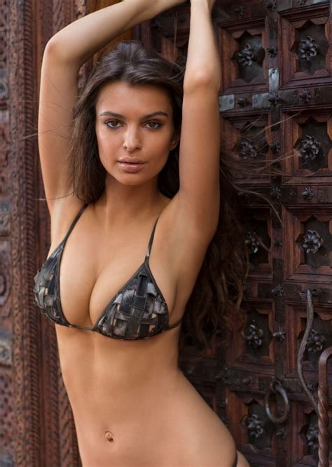 Emily Ratajkowski | Emily ratajkowski sports illustrated ...