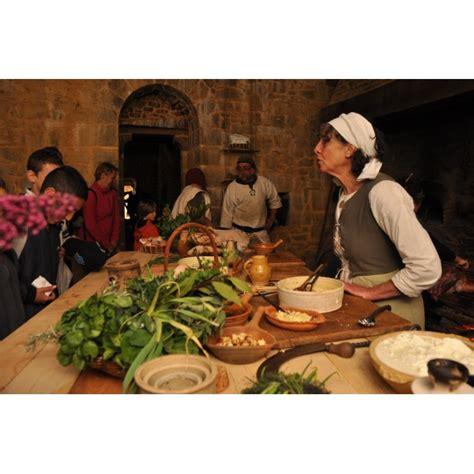 la cuisine au moyen age l 39 authentique cuisine du moyen âge boutique guédelon