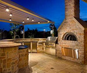 Tips for designing the ultimate outdoor kitchen