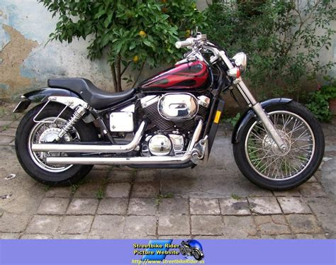 Shadow Spirit by 2005 Honda Shadow Spirit 750 Moto Zombdrive