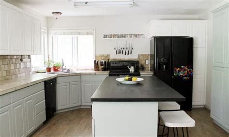 valspar kitchen cabinet paint our painted kitchen cabinets chris loves julia
